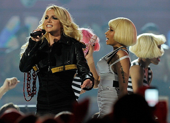 2011 Billboard Music Awards - Show